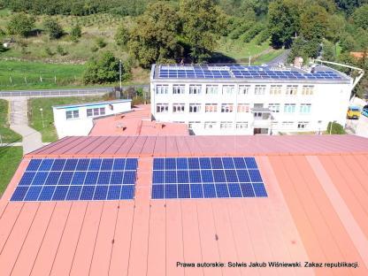Mikroinstalacja 12 kWp na hali sportowej oraz 25 kWp na szkole